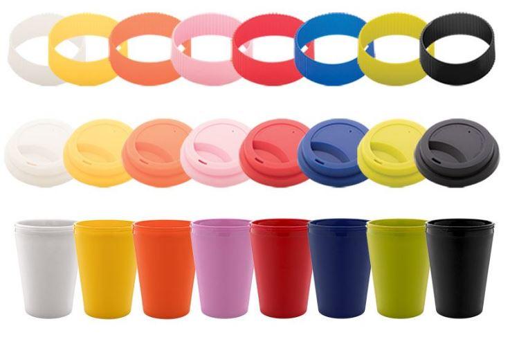 Bunte Farbkombinationen aus Becher, Silikonmanschette und Deckel möglich